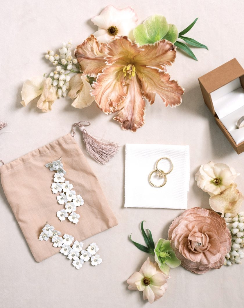 Flat-Lay-Wedding-Inspiration
