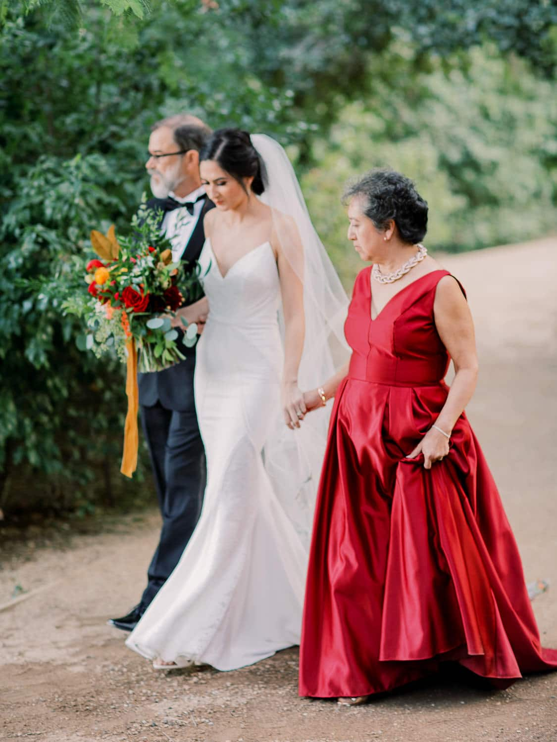 Bride-Walking-Down-The-Aisle-Photo-Greg-Ross